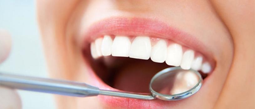 La tecnologia come valore aggiunto in terapia parodontale di supporto: la fototerapia